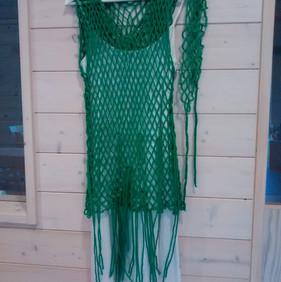 Vestido elaborado con malla de red