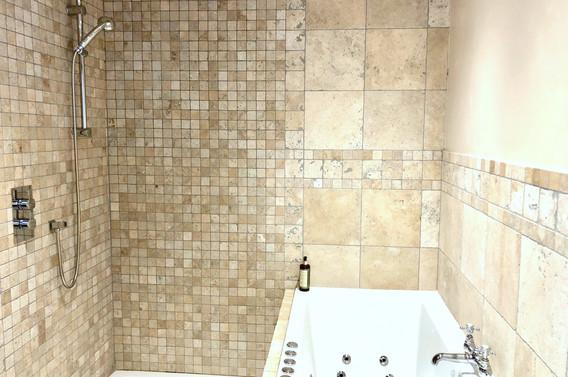 6 BATH & WETROOM SHOWER .jpg