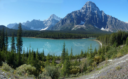 Canada: Banff, Rocky Mountaineer (Gold Leaf)