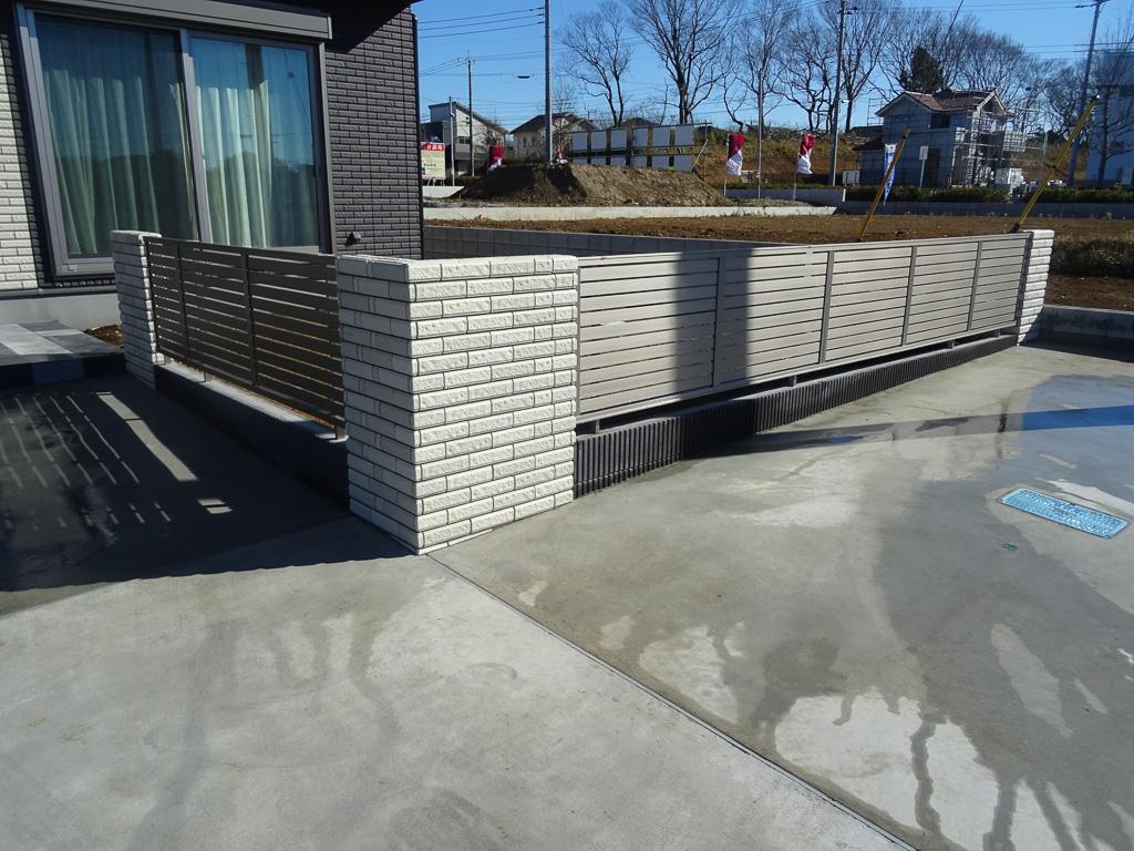 建物外壁同様のタイルを外構工事にアレンジ