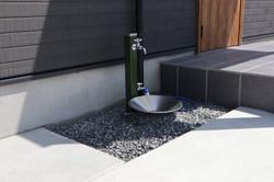 外部水栓も外構工事で施工