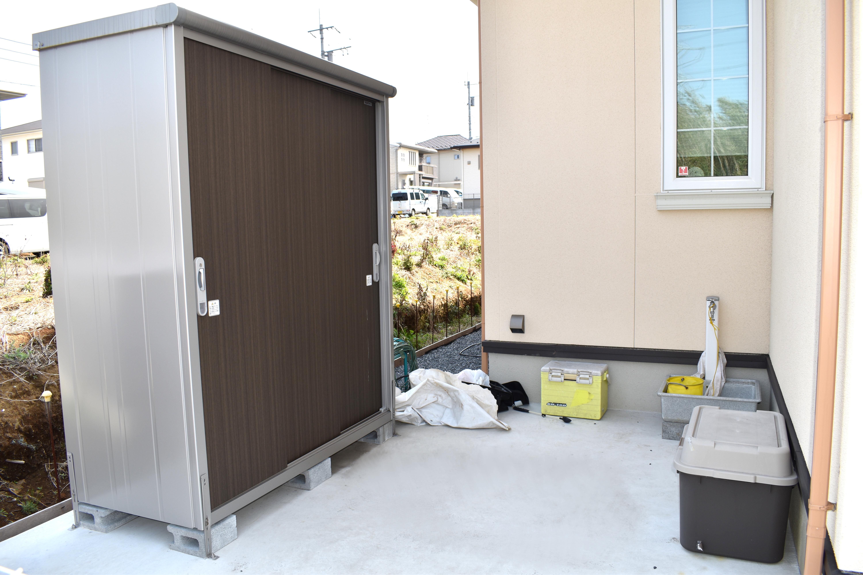 物置スペースと外部水栓