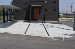 箱抜き駐車場 隙間はデザインストーンでオシャレにコーディネート