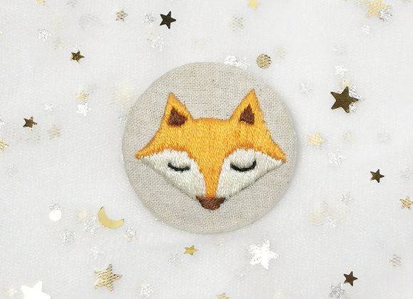 Fox (4.5cm x 4.5cm) (with sleepy eyes)