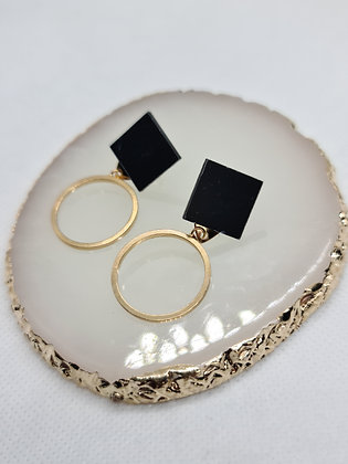 Black & Gold Square With Circle Drop