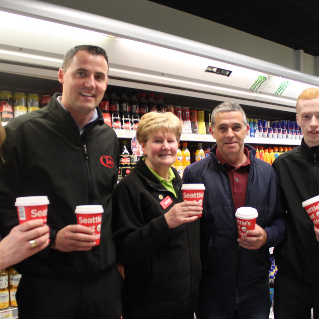 Kernans Ramelton.  Manager Pairic mc Garvey, Veronica Logan, Michael McFadden and Mark McPaul enjoy a coffee