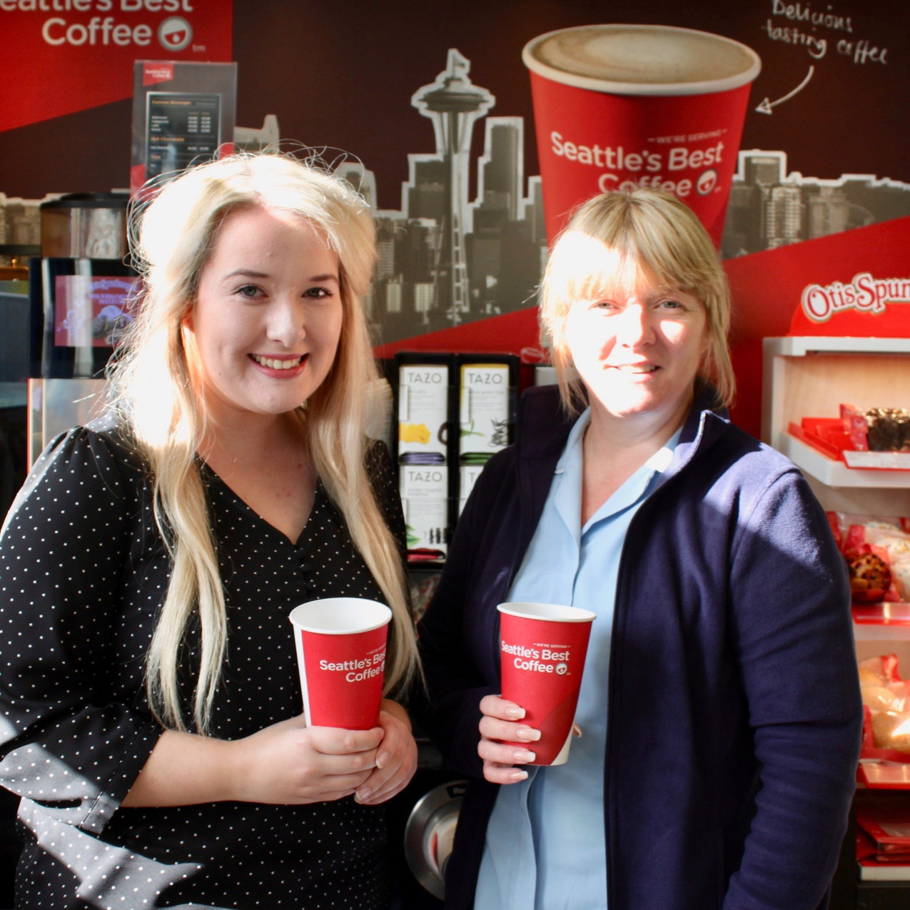 Kernans Letterkenny. Jemma McLaughlin & Marie McDonald enjoy a coffee together