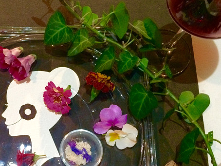 「食べられるお花エディブルフラワーと自然派ワインを楽しむ大人のワークショップ」のお知らせ