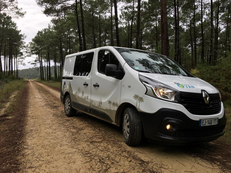 Camp In Van en forêt