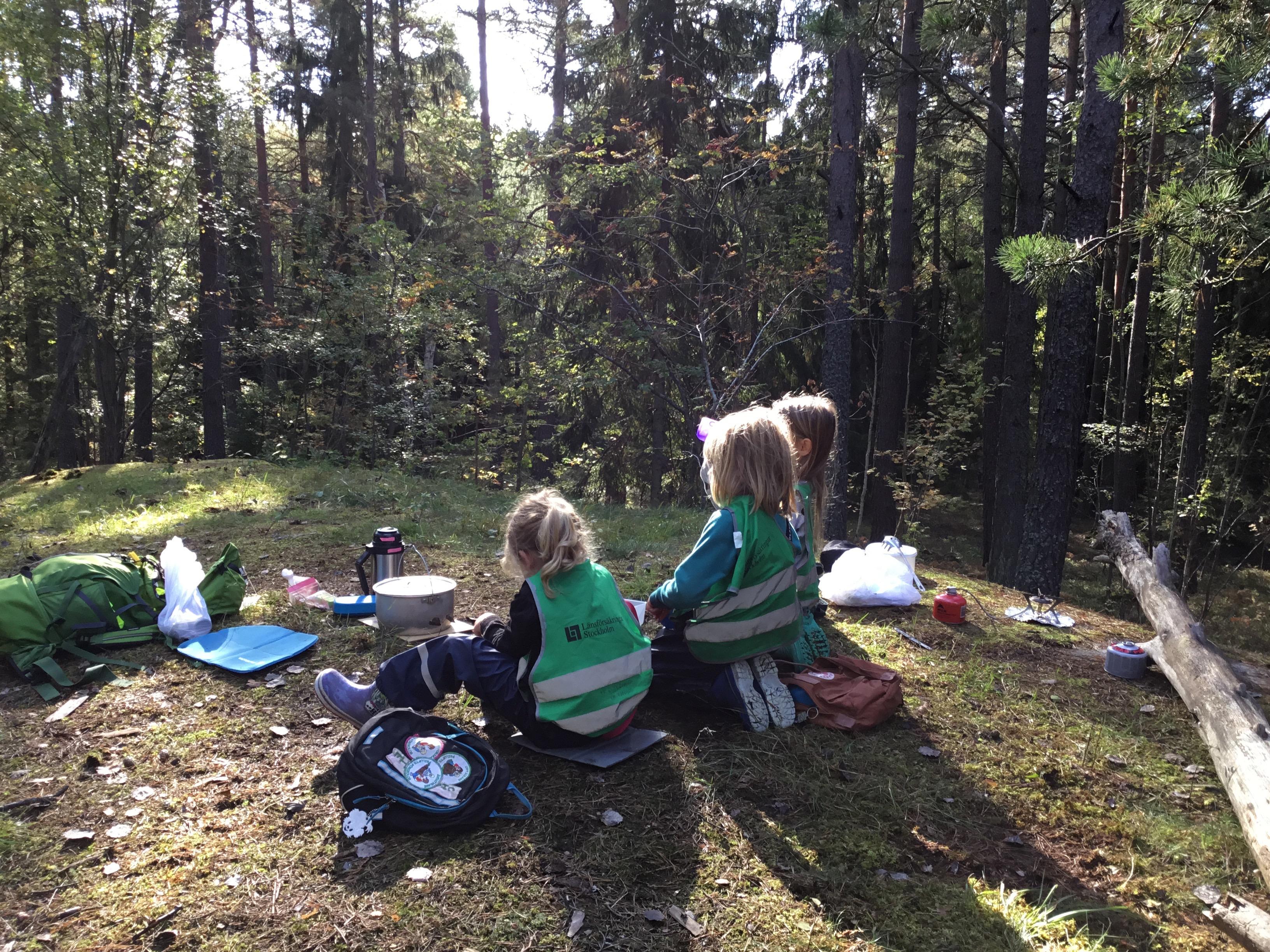 Lunchen smakar som bäst i skogen!