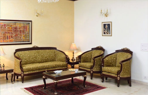 Classic design sofa set