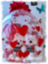 Globo corazones Blancos +oso tedy mediano+poleorn negro personalizado + chocolate + globito i love you