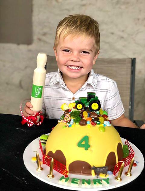 Tractor Piñata Smash cake