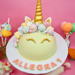 Unicorn Chocolate Piñata Smash Cake