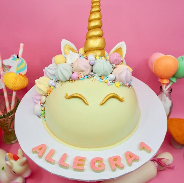 Unicorn Chocolate Piñata Smash Cake