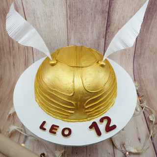 Golden Snitch Chocolate Piñata Smash Cak