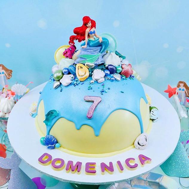 Mermaid Chocolate Piñata Smash Cake
