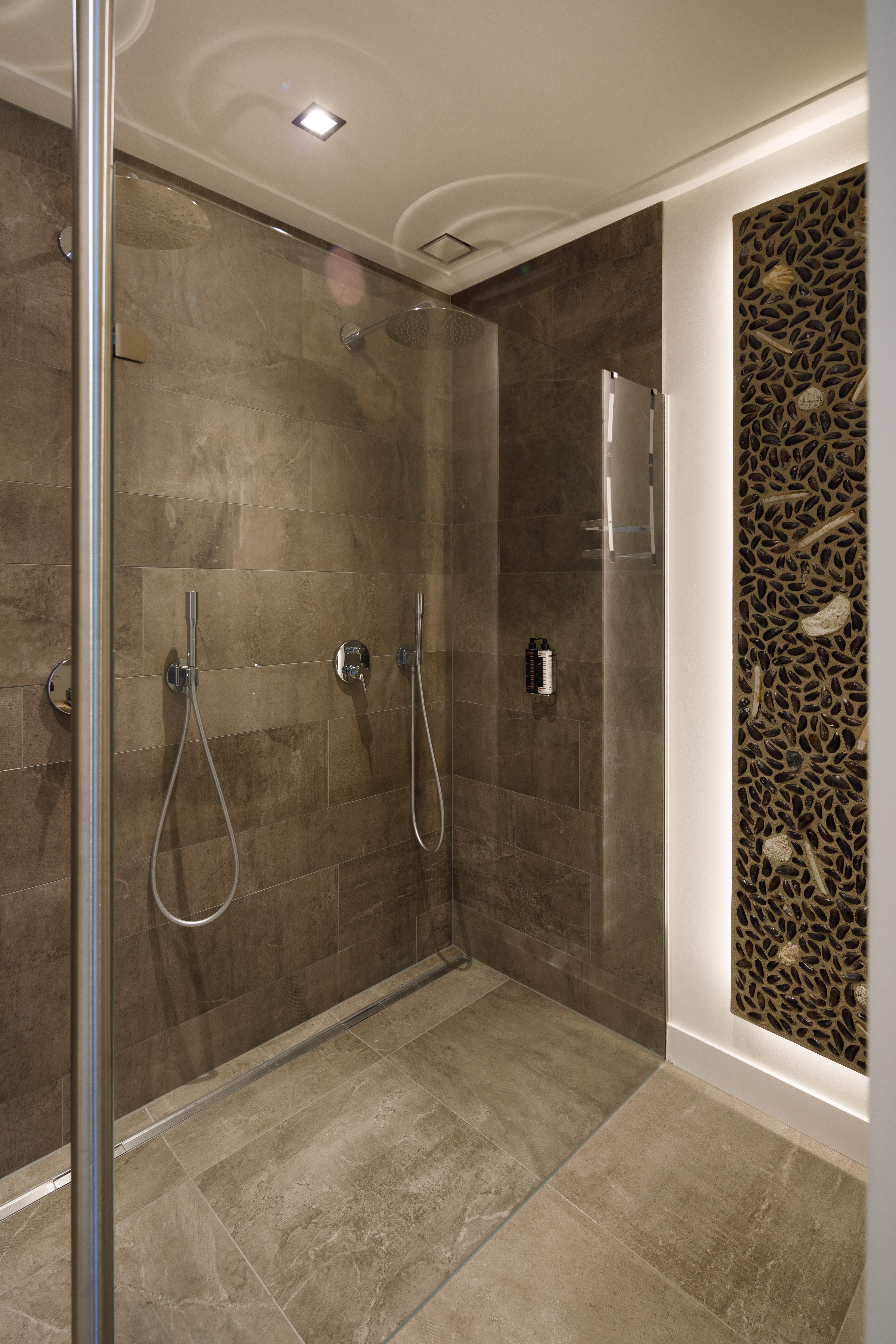 Duo bathroom