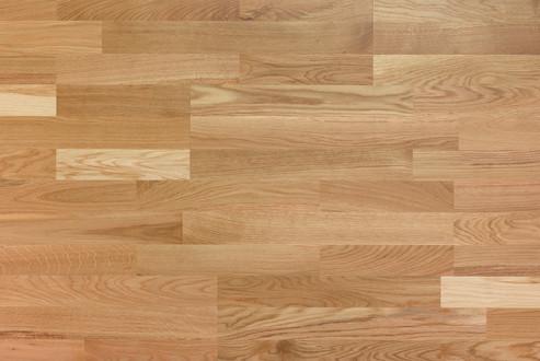 Choix Nuance : Multifrises, bois de fil et dosse avec teinte contrastée, petits picots et noeuds, aubier admis.
