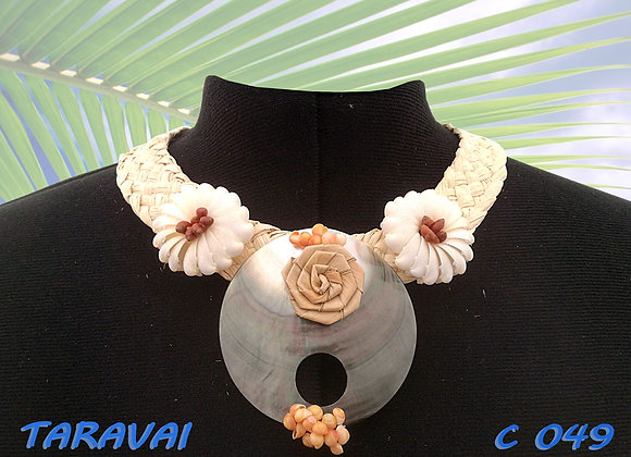 """TARAVAI"" Collier de Coquillages et Nacre"