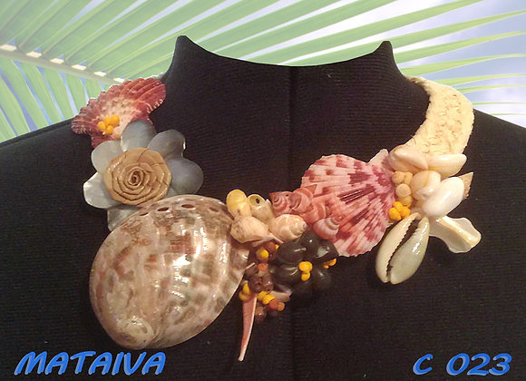 """MATAIVA"" Collier de Coquillages et Nacre"