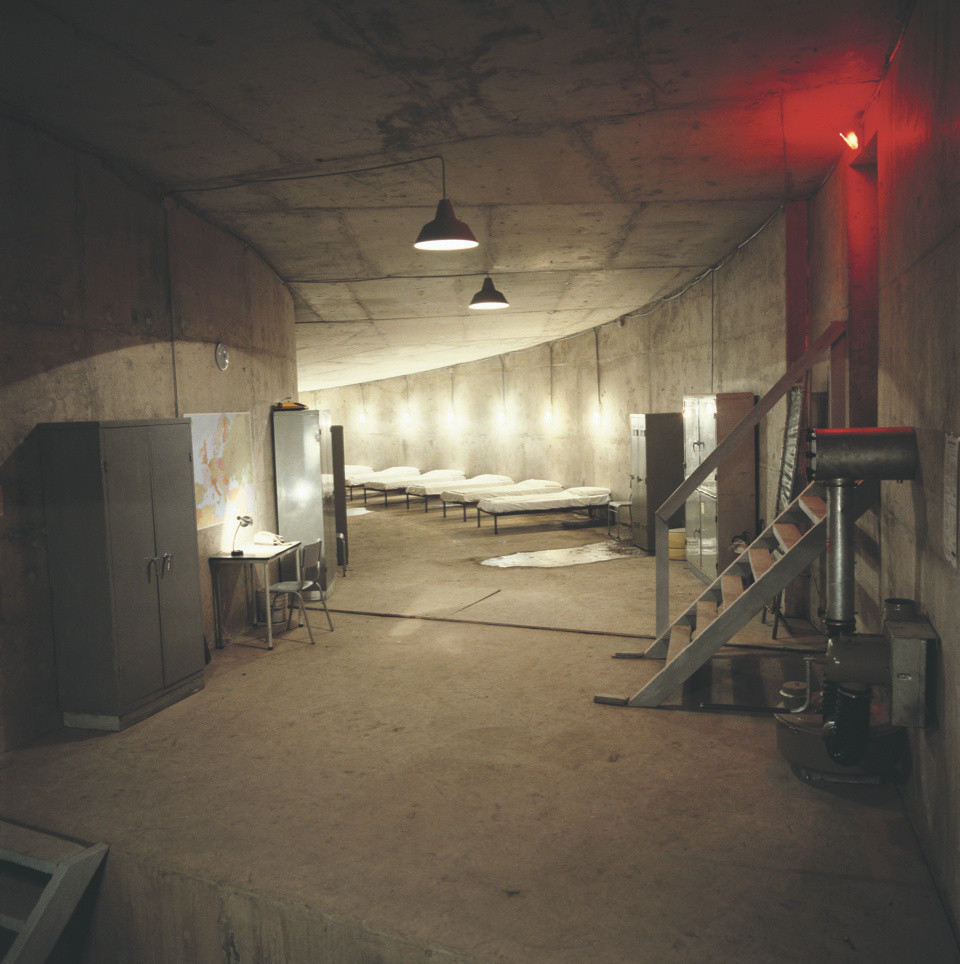 Installation Atomic Bomb Shelter, Nord, Liège, 1985