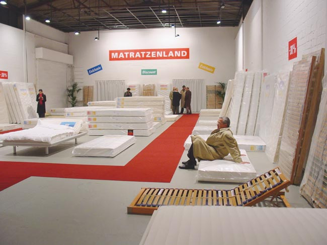 Installation Mattress Discount, Kunsthalle, Münster, 2003