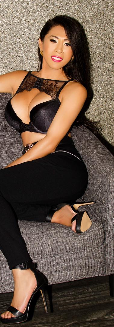 Jennifer Amor - Sofa