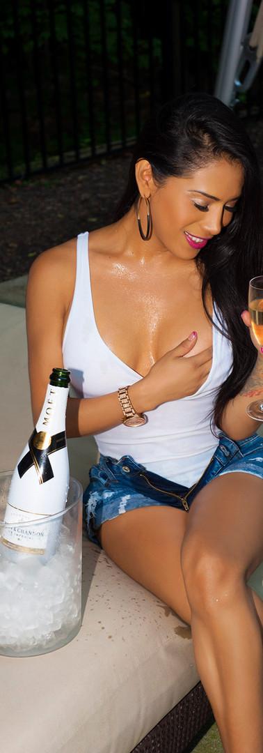 Jennifer Amor - Champagne 2