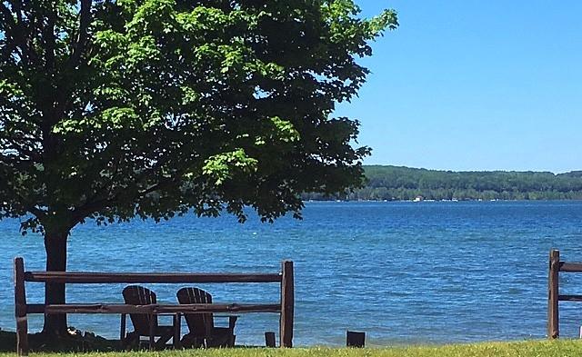 Welcome to Portage Lake Motel   Onekama MI