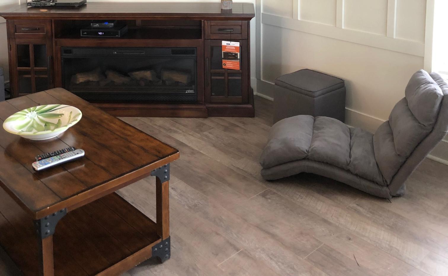 Flat Screen & Electric Fireplace