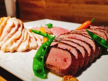【1周年記念】肉盛盛!人気のお肉3種の豪華プレート
