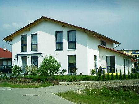 Neubau Einfamilienhaus mit Frisörsalon