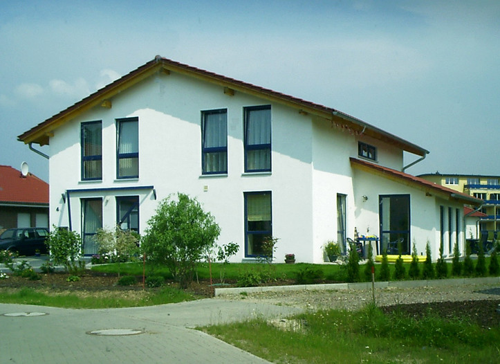 Projekt: Einfamilienhaus mit Gewerbeeinheit