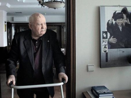 """""""Gorbatchev, en aparté"""", veuf crépusculaire"""