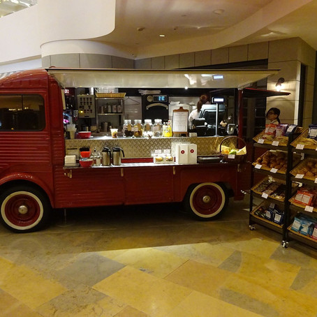 Food Trucks Roll Into Airports