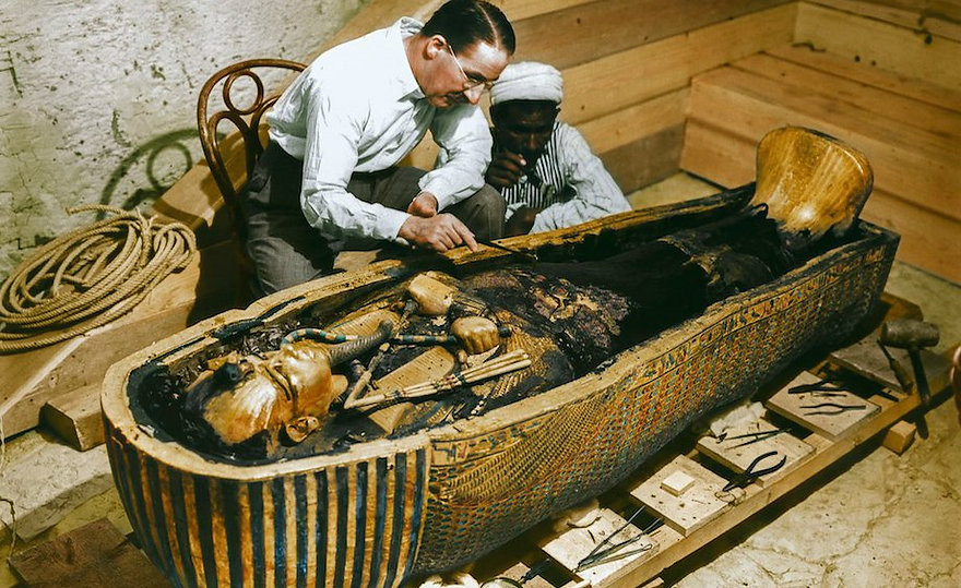 king-tuts-tomb-opened-in-color-21-hq-photos-7.jpg