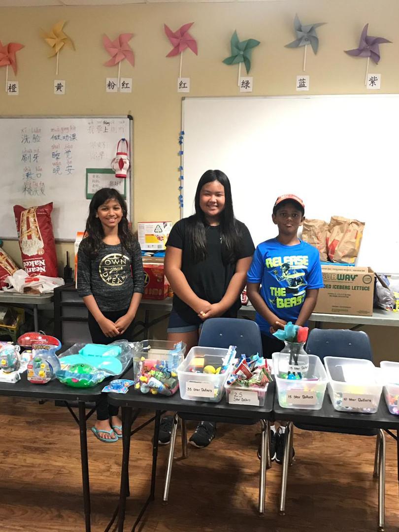 Faithful Student Store volunteers in Sum