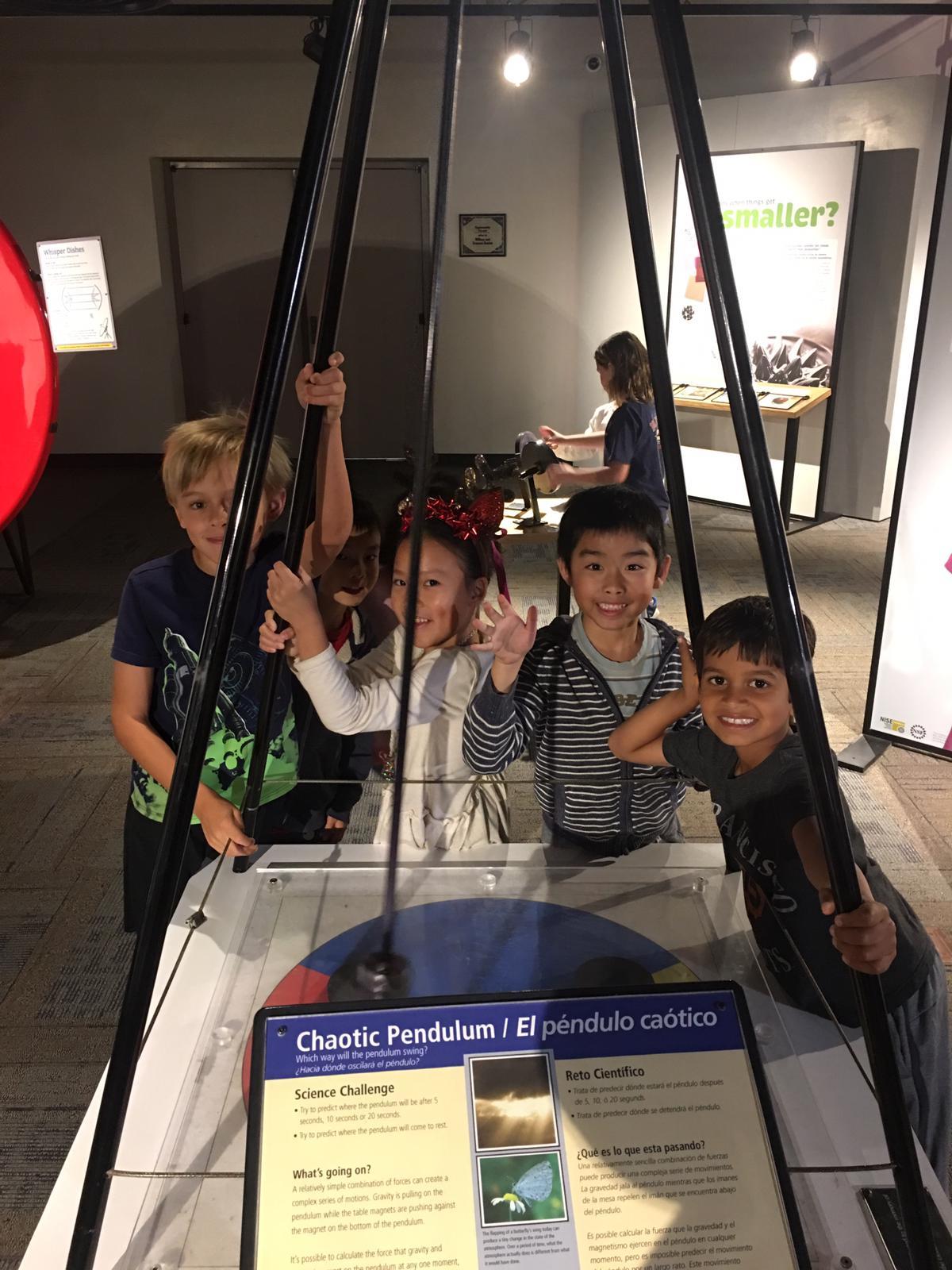 Giant pendulum