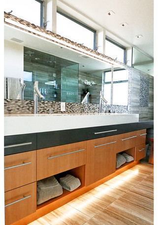 Able-and-Baker-Sachs-Master-Bath-vert-in