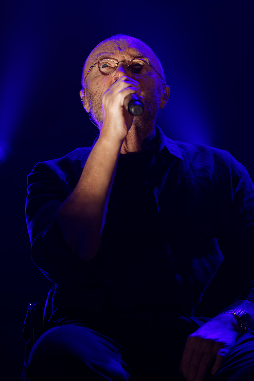 Phil Collins - Not Dead Yet