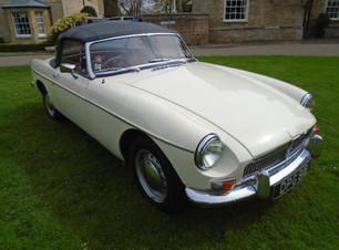 1964 roadster white (16).JPG
