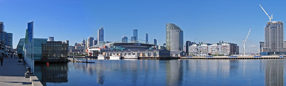 Melbourne_from_Waterfront_City,_Dockland
