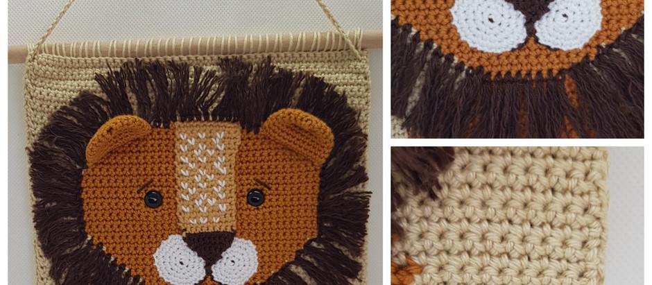 Nieuw deze stoere wanddecoratie met leeuwenkop. Leuk voor in een stoere baby/kinderkamer Nu te koop