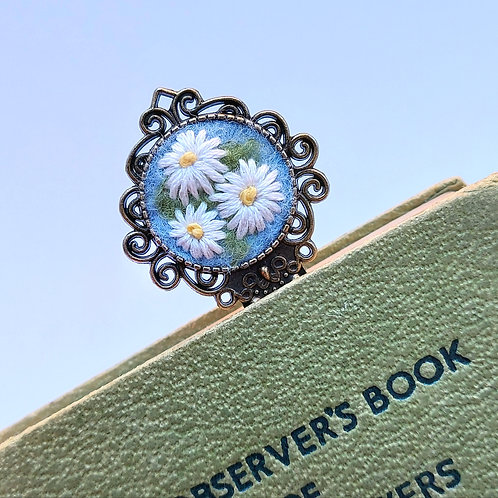 Daisies Bookmark - Felted and Embroidered Page Marker