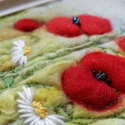 felted poppies and daisies close up