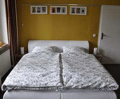 Die Betten sind bereits bezogen, wenn Sie Ihre Ferienwohnung in Besitz nehmen.