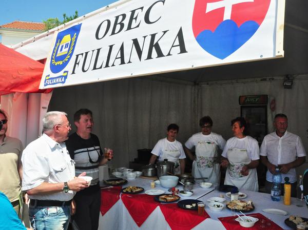 Slovenský štátny znak a erb obce Fulianka v piatkové popoludnie jedenásteho májového dňa roku 2018 boli vlajkovou loďou pre všetkých, ktorí sa v tom čase prechádzali po prístave v chorvátskej Malinskej-Dubašnici hrdá, že má čo ponúknuť každému záujemcovi...