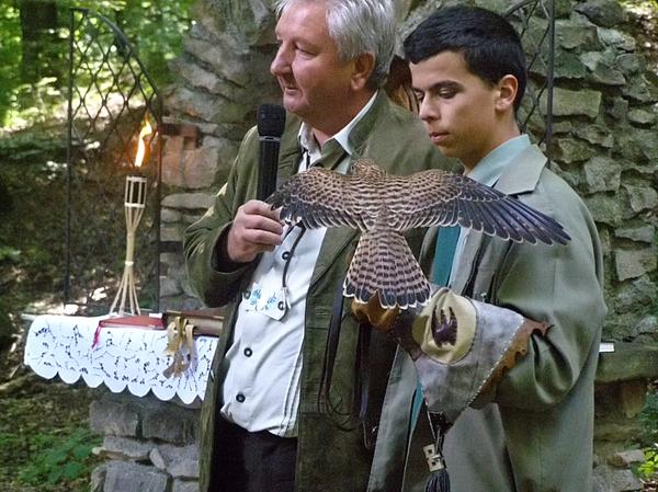 V jeseni 2006 za prvú byzantskú bohoslužbu poďakoval miestnemu duchovnému správcovi a  spoločenstvu zídených veriacich jeden z fulianskych poľovníkov V. L. Obohatením tejto udalosti bola aj krátka prezentácia sokoliarskeho umenia...