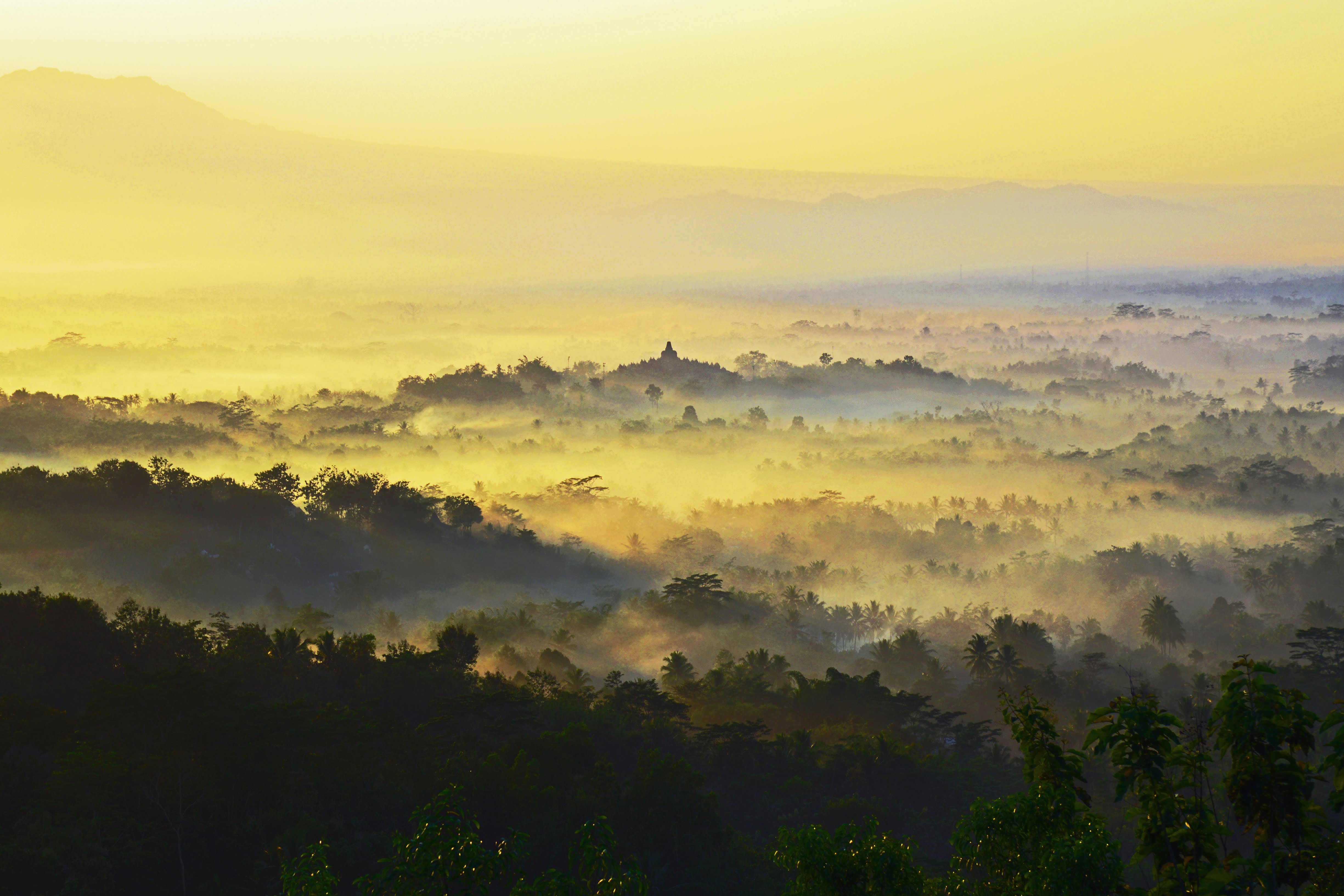 sunrise-over-borobudur-temple-java-indonesia_20832037682_o